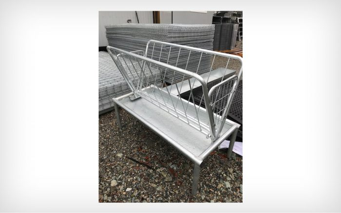 4′ Hay Feeder with Tray