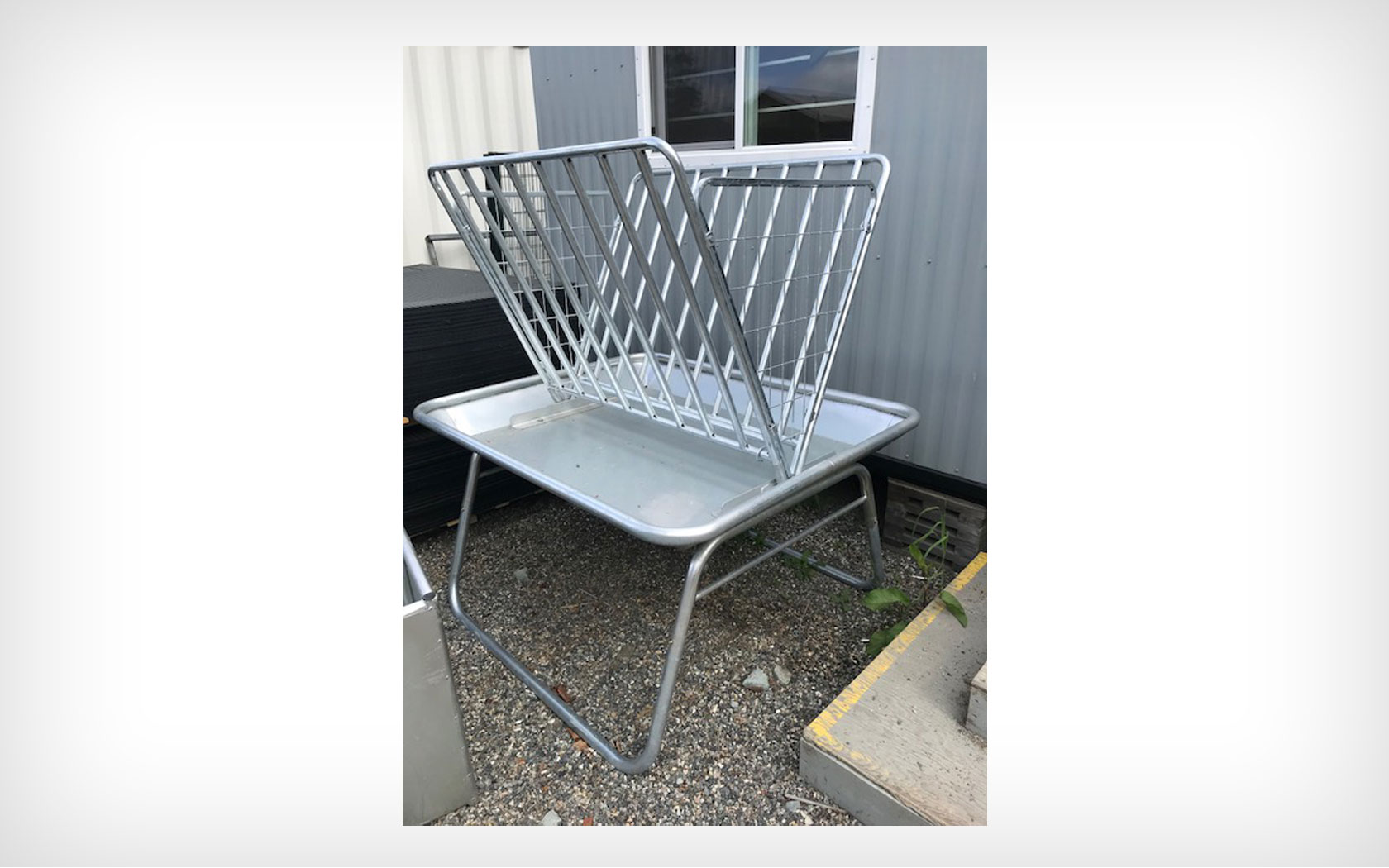5′ Horse Feeder with Tray